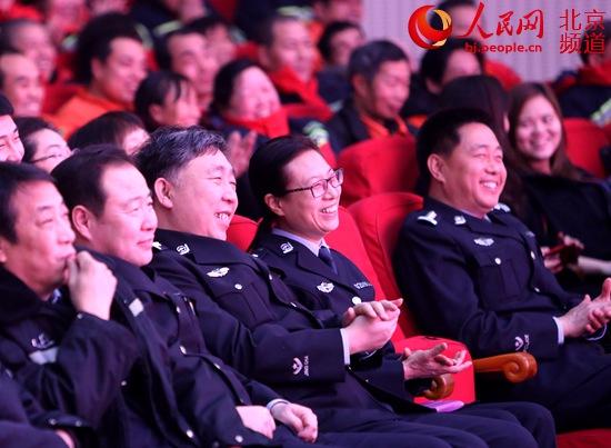 第四届钟鼓楼相声汇笑迎新春公益专场慰问一线劳动者