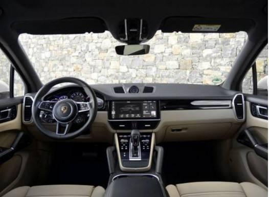 高端SUV中的保时捷卡宴和路虎揽胜,对比过后再做出你的选择!