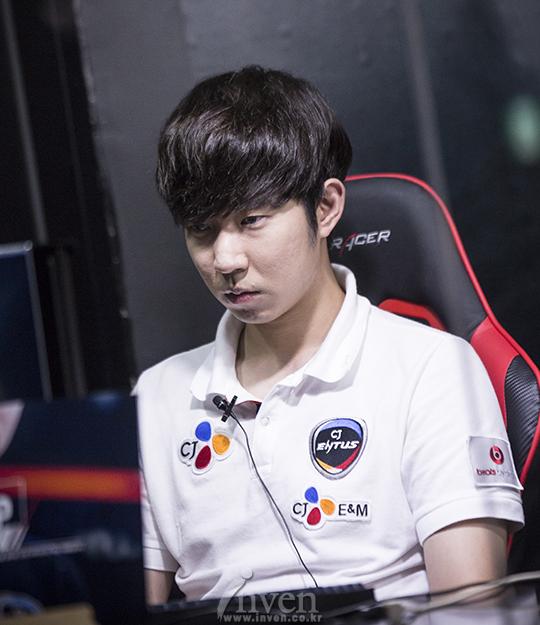 最强SKT终被CJ挫败 赛季全胜计划泡汤_1